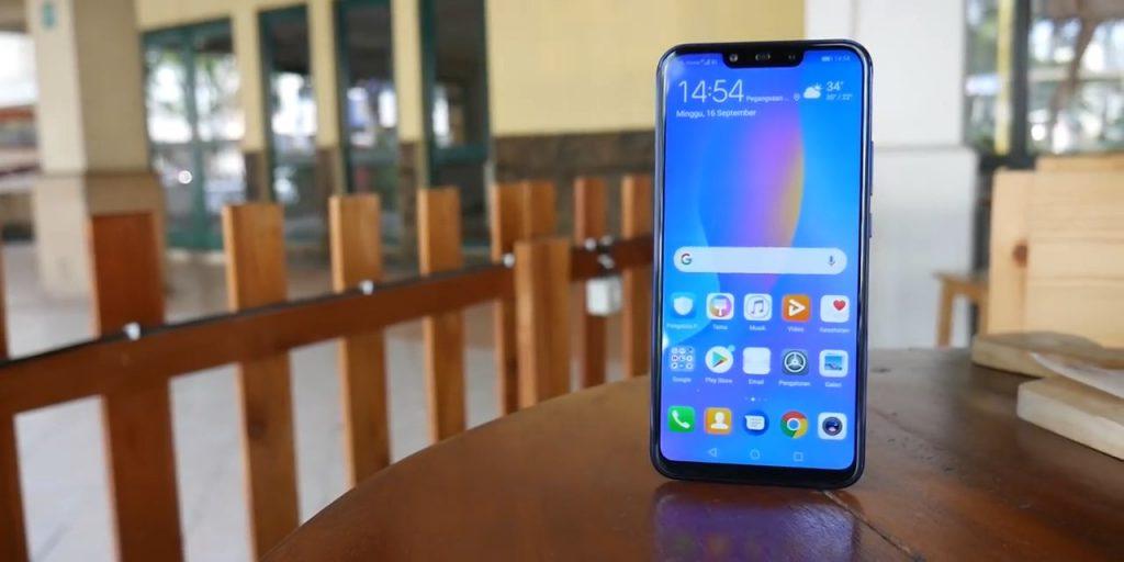 Huawei Nova 3i layar depan #3