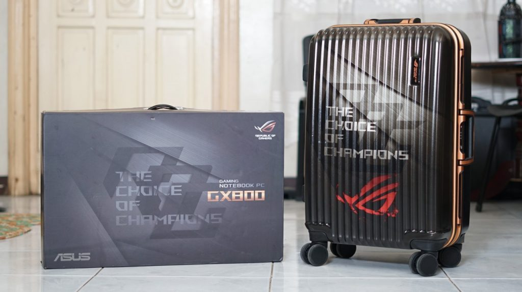 unboxing ASUS ROG GX800